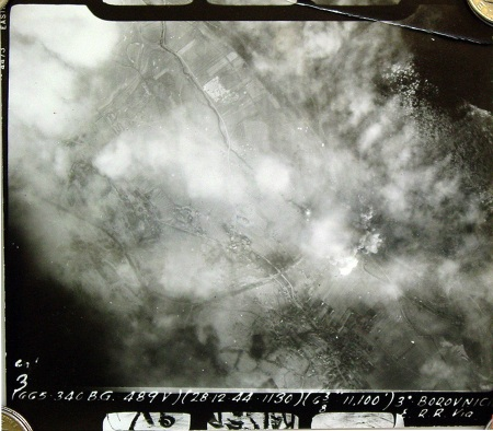 Posnetek bombardiranja iz letala (vir)